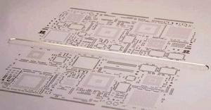 Вид на трафарет с рельефным карманом со стороны прилегания к печатной плате