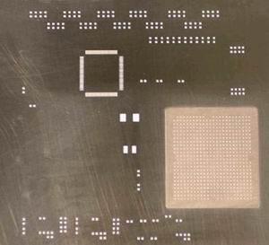 Пример многоуровнего трафарета step-up для керамического BGA компонента